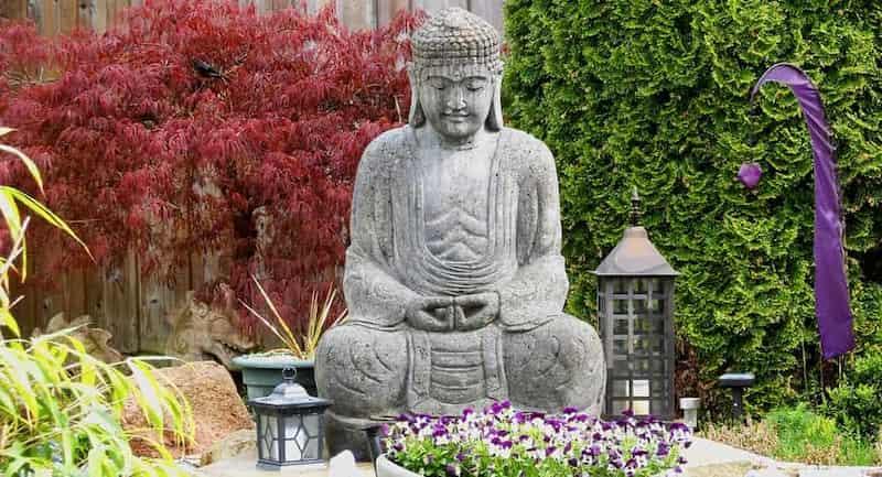 figuras-de-piedra-grandes-para-jardin